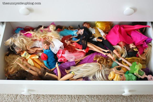 Organized kids' closet/drawers