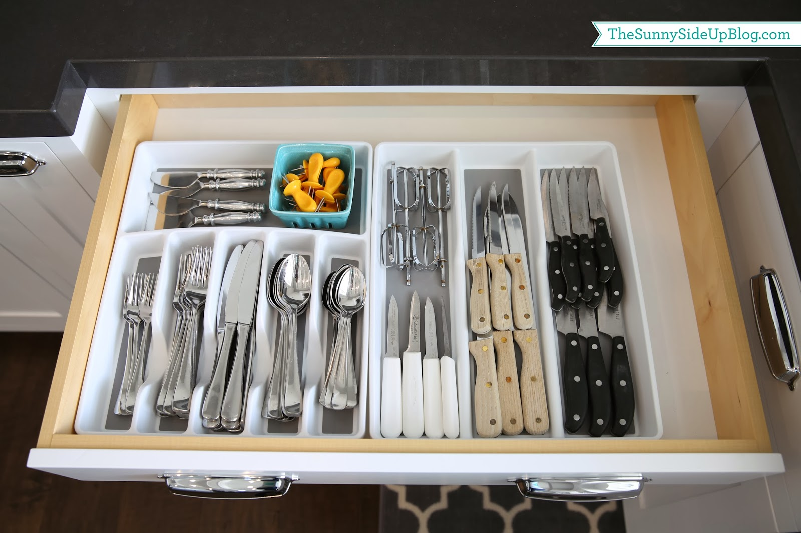 Organized silverware the sunny side up blog - How to organize kitchen drawers and cabinets ...