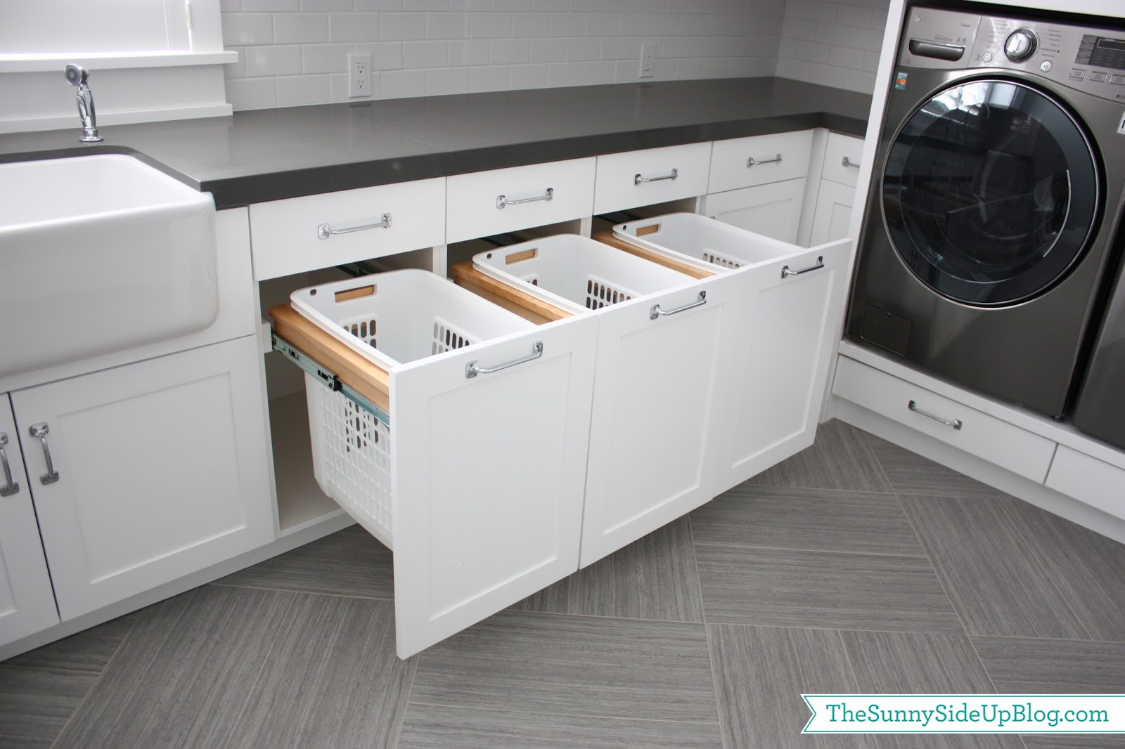 6 laundry rooms that will blow your mind for Laundry room cabinets