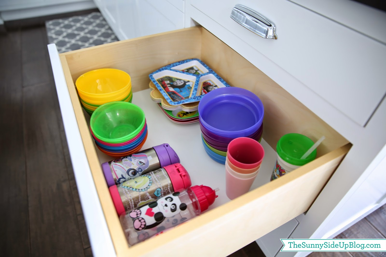 Kitchen Pantry Storage Ideas Organized Kitchen Drawers And Fridge The Sunny Side Up Blog