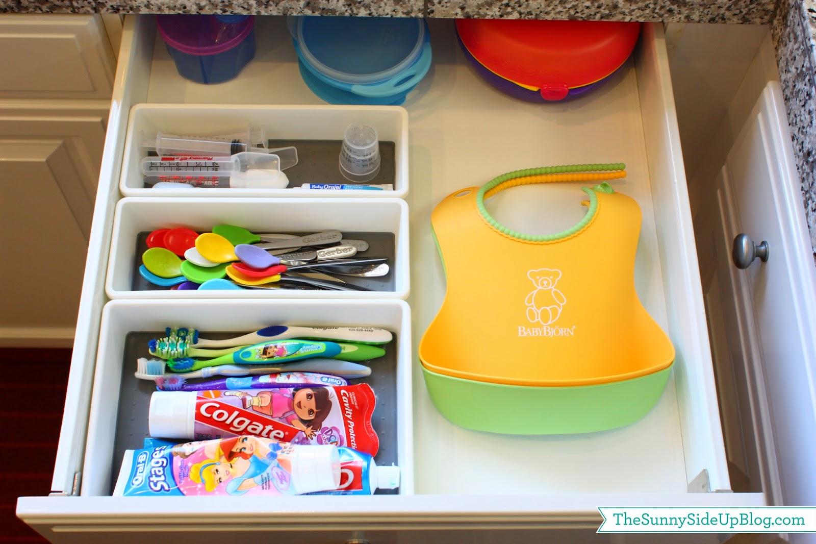 Organized kitchen sink drawer