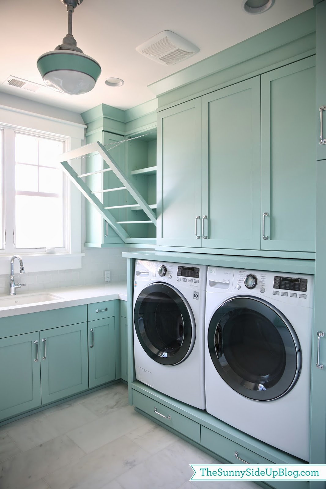 upstairs laundry room the sunny side up blog. Black Bedroom Furniture Sets. Home Design Ideas