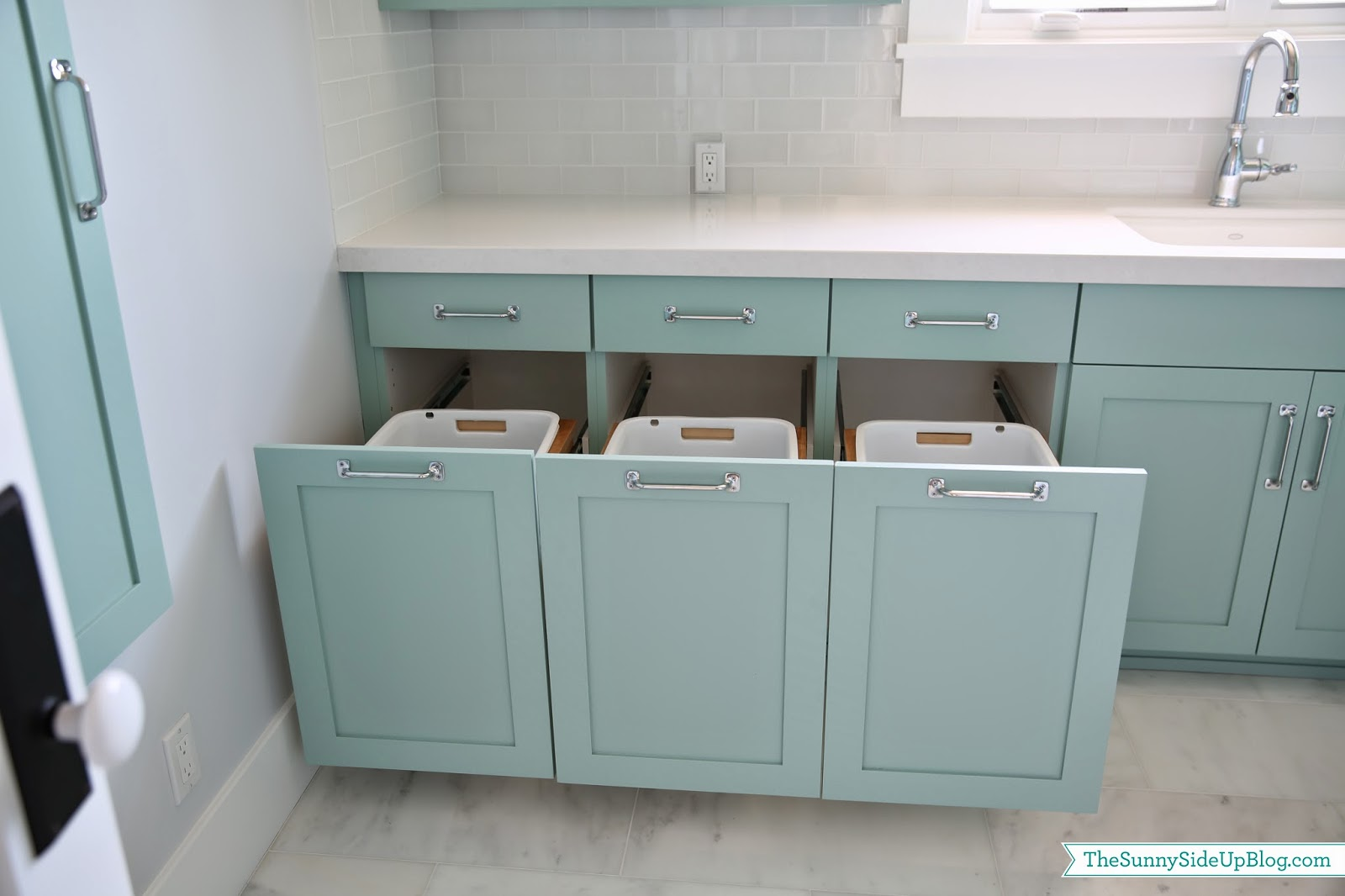 Upstairs Laundry Room - The Sunny Side Up Blog