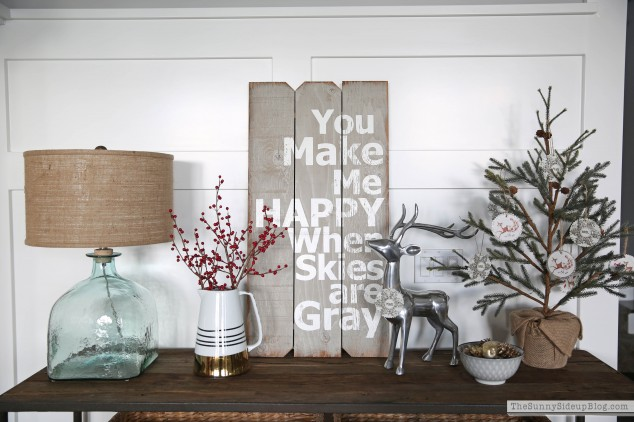christmas-console-table-decorating