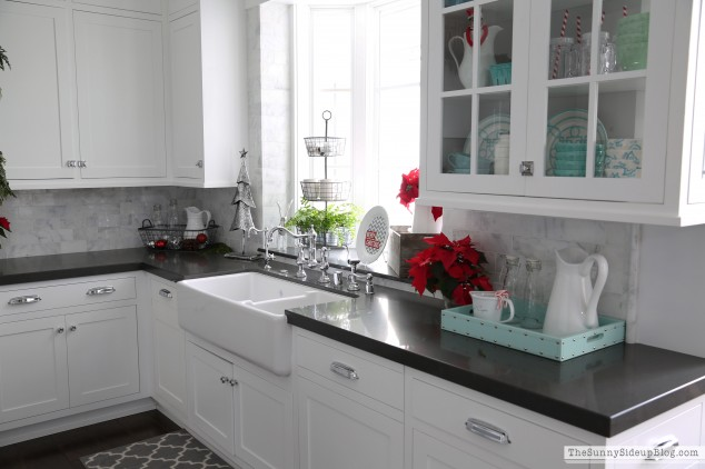 christmas-decor-in-the-kitchen