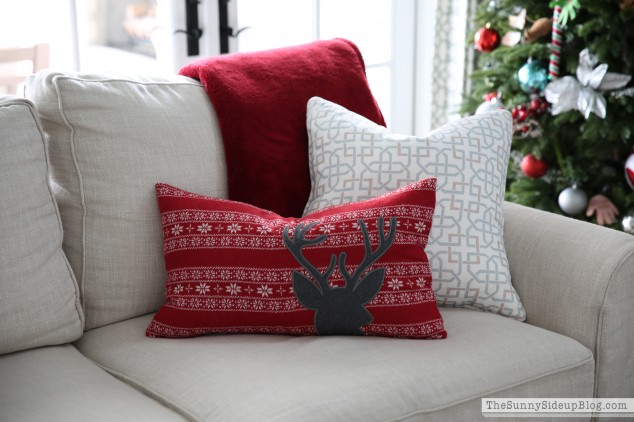 christmas-deer-pillow