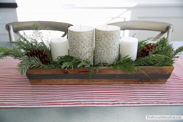 christmas-greenery-table-centerpiece