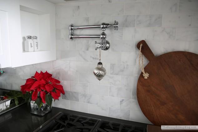 christmas-kitchen-styling