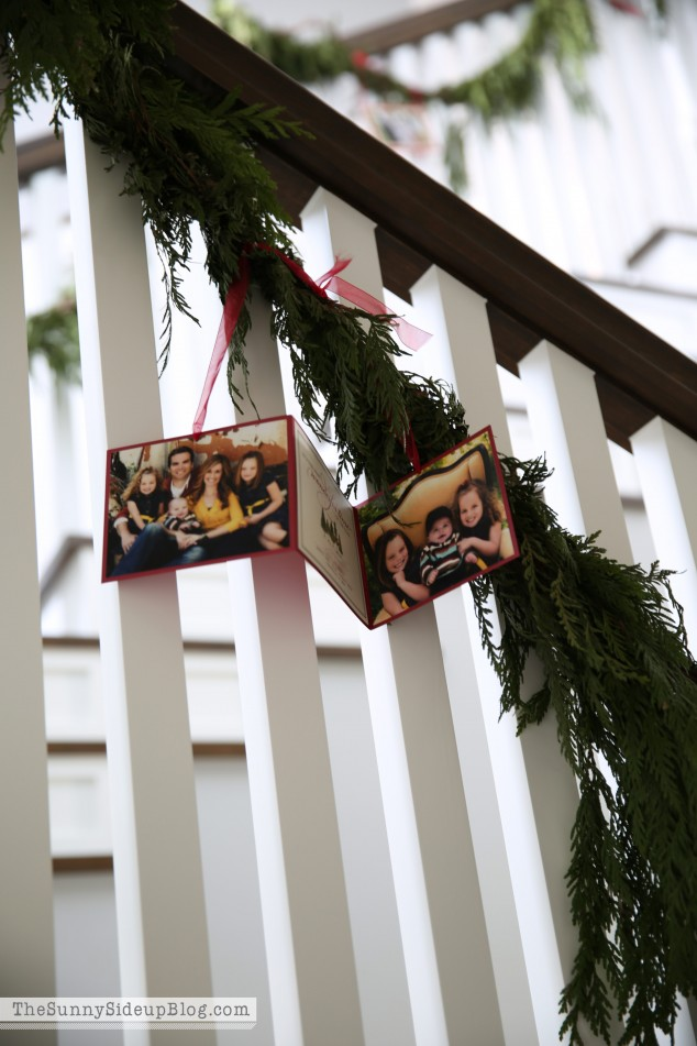displaying-christmas-cards-on-stairs