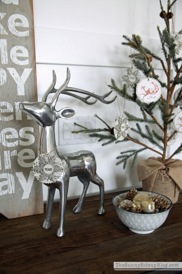 silver-christmas-deer