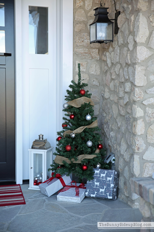 christmas front porch the sunny side up blog. Black Bedroom Furniture Sets. Home Design Ideas
