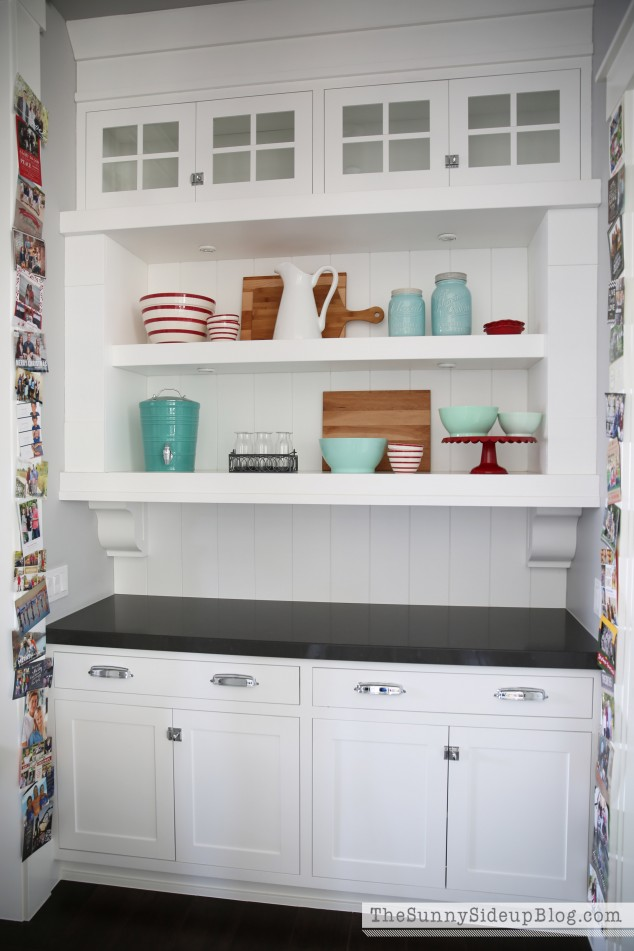 open-shelf-styling-in-kitchen