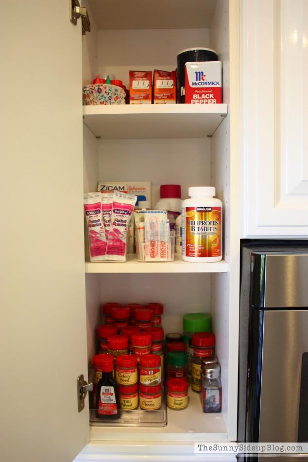 organized-medicine-cabinet