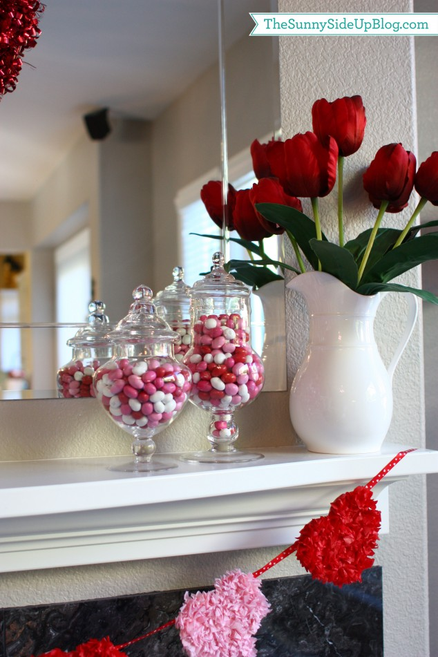 candy-and-tulip-valentine-mantel