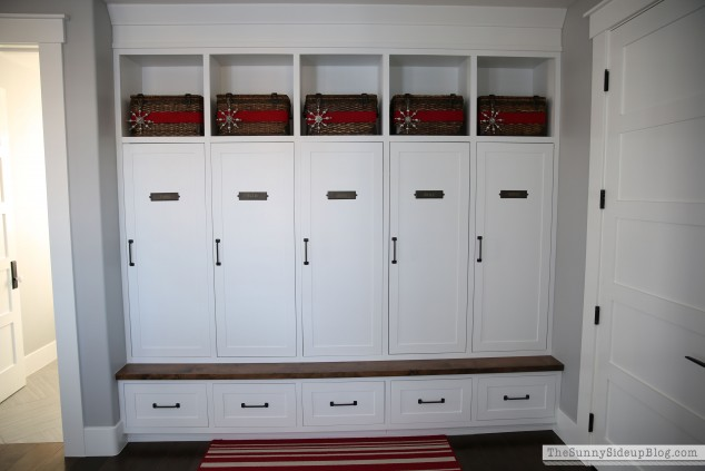 mudroom-closed-lockers