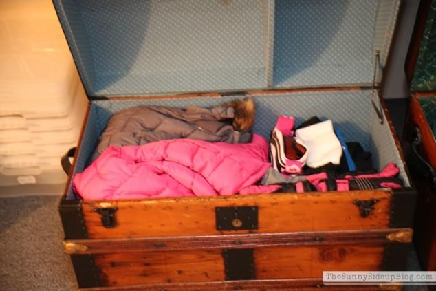 organized attic organized holiday decor_0011