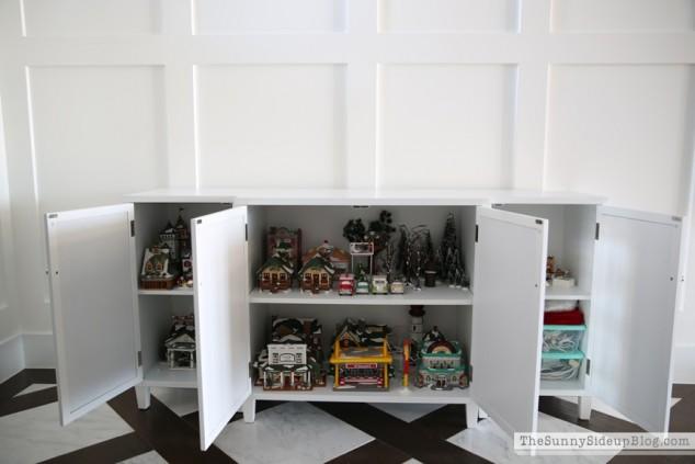 organized attic organized holiday decor_0035
