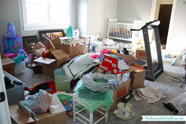organized attic organized holiday decor_0040