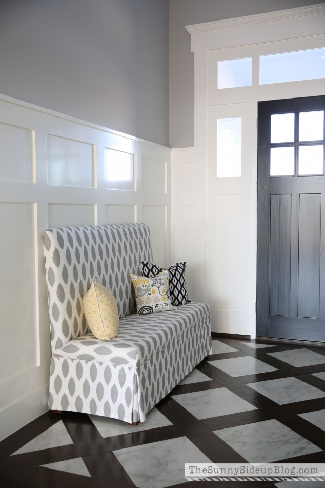 patterned-bench-in-entry