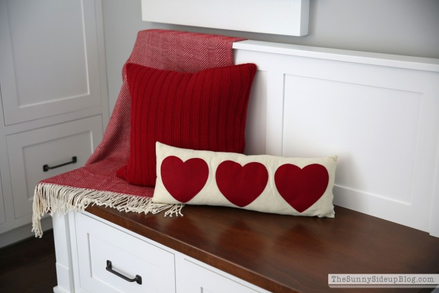 valentine-heart-pillow