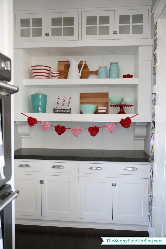 valentine-shelf-decor