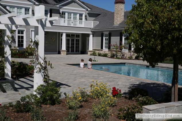 backyard-furniture