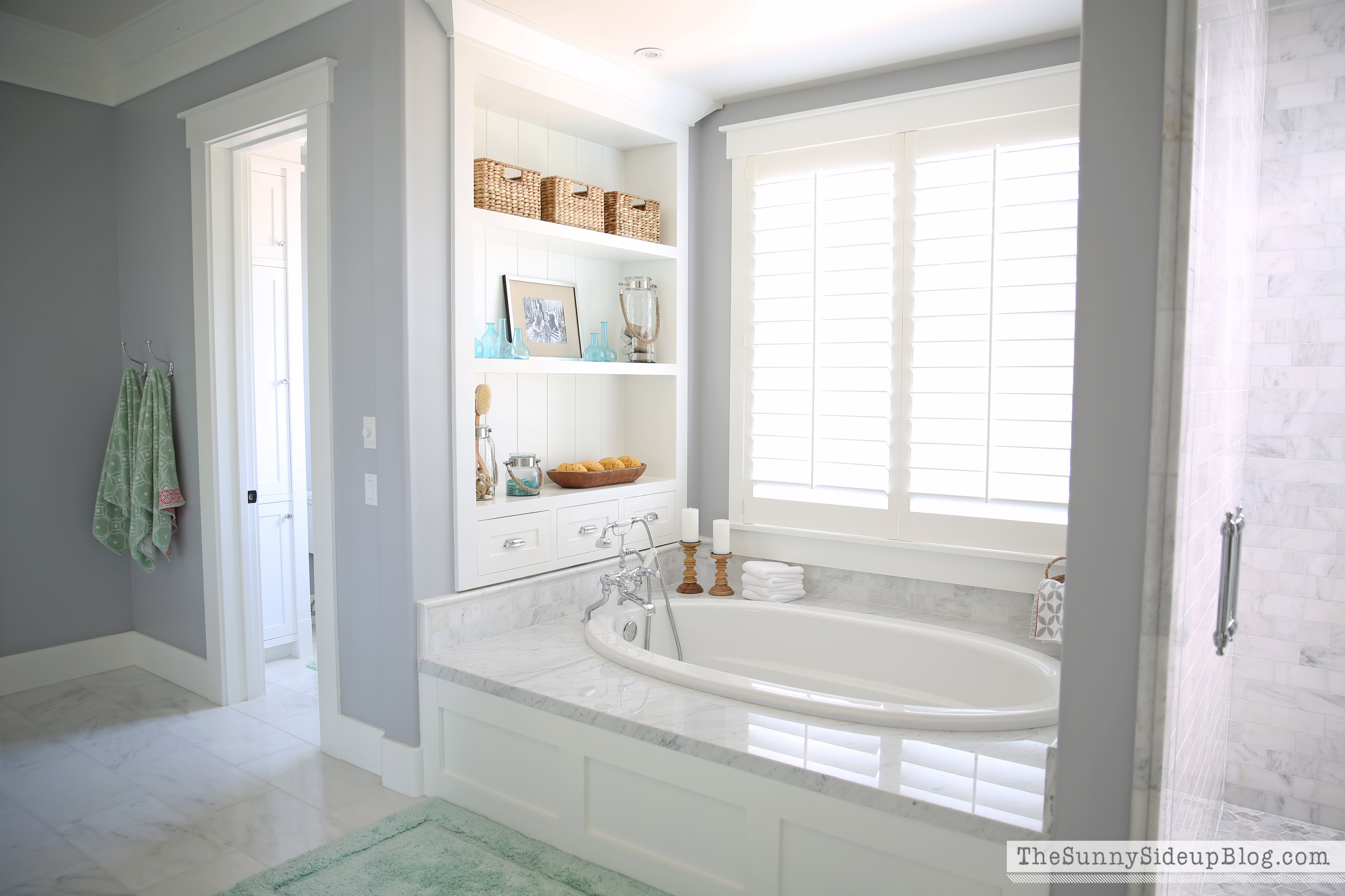 Master Bathroom Shelves Tub