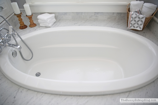 kohler-tub-faucet-in-master-bath