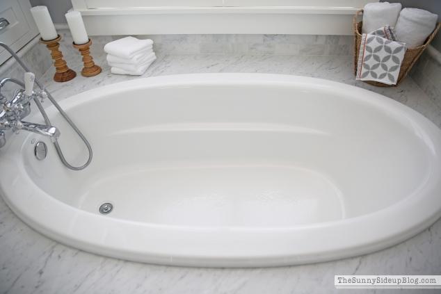 kohler-tub-faucet-in-master-bath