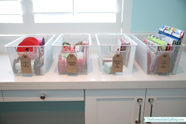 organized-ribbon-and-gift-bags