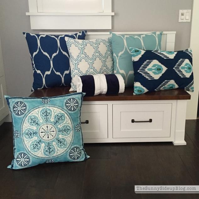 pottery-barn-outdoor-pillows