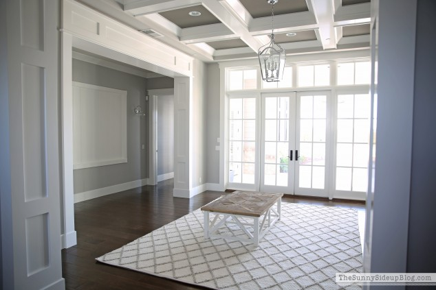 white-shiplap-gallery-wall