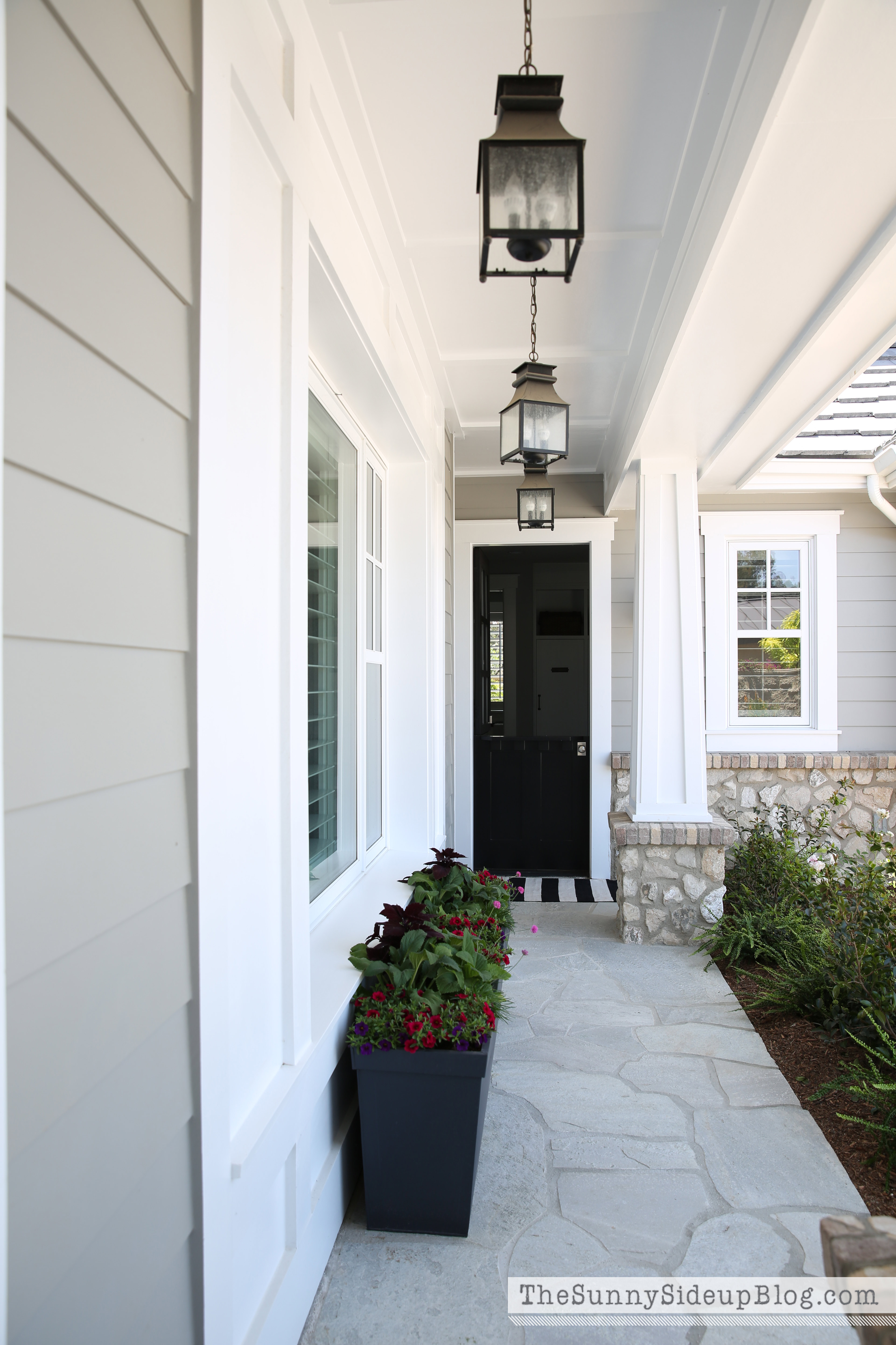 Craftsman style hanging lights for Light gray exterior paint