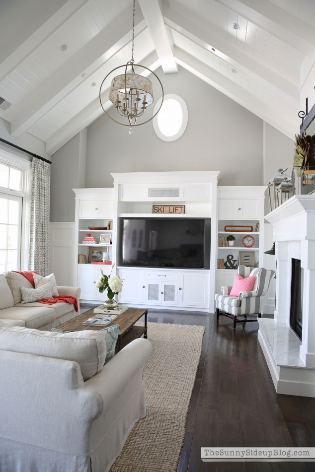 custom-woodwork-in-living-room