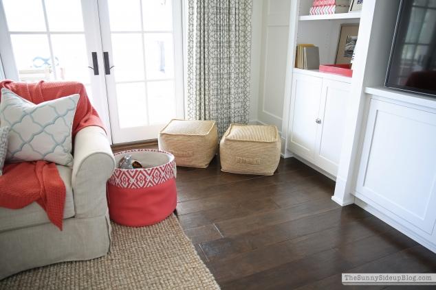 indoor-outdoor-target-poufs