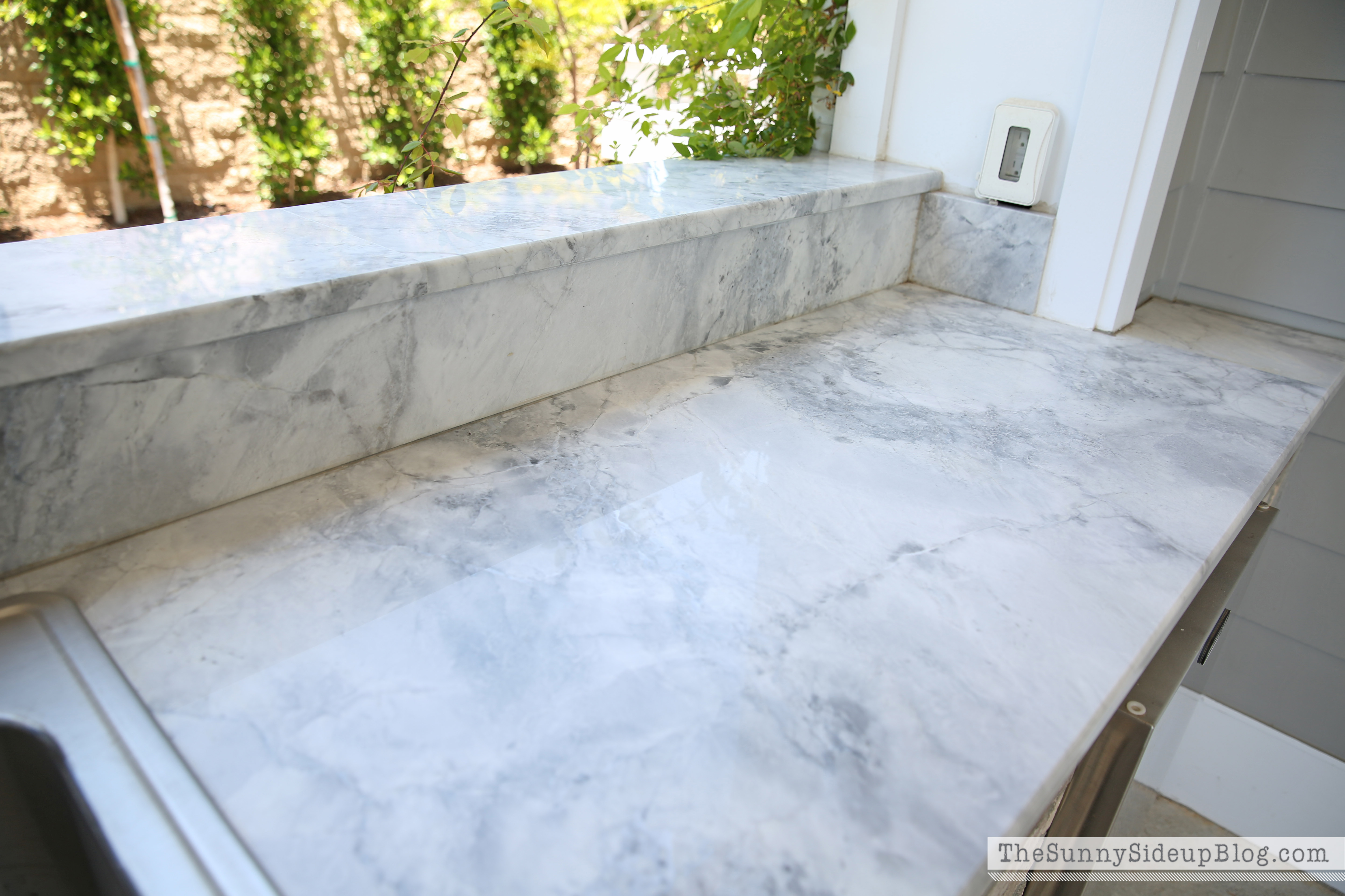 Countertop That Looks Like Marble : ... granite that looked a lot like marble so I used it for the countertop