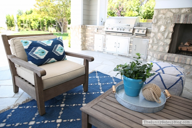 pottery-barn-outdoor-pillows