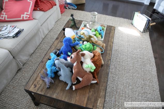 stuffed-animals-on-table