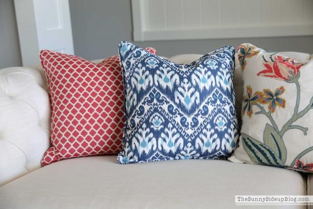 navy-geometric-pillow