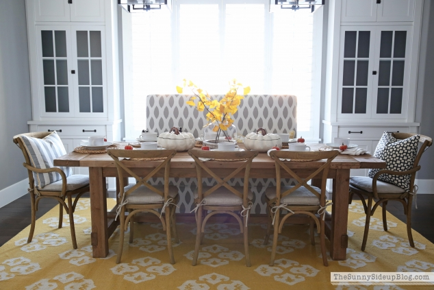 fall-dining-tablescape-farmhouse-style