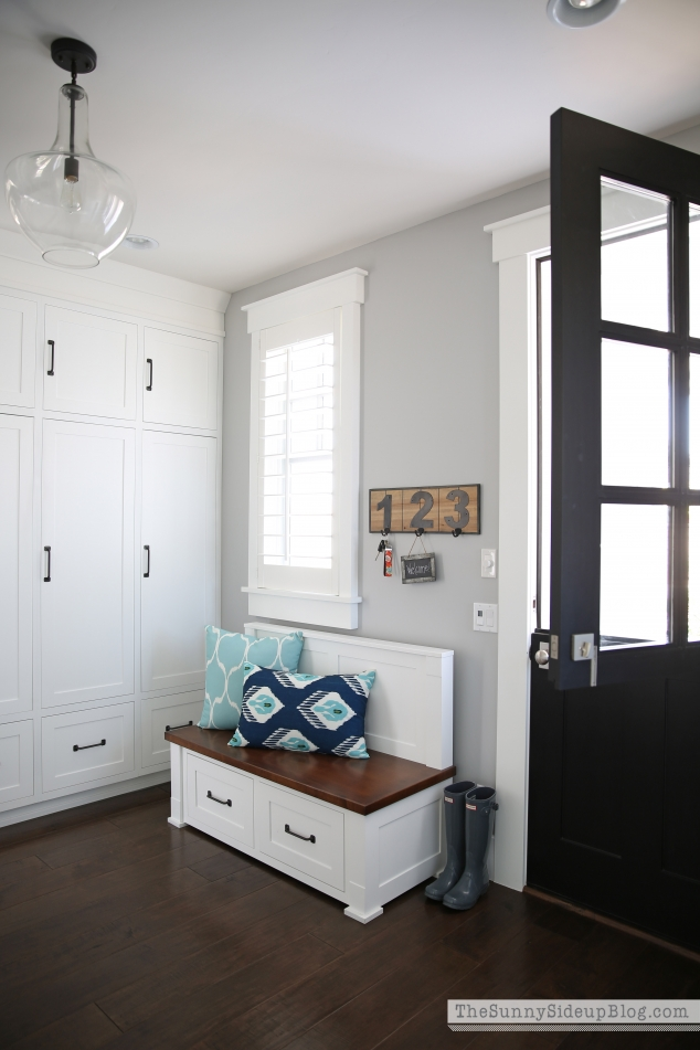 mudroom-lockers-and-bench
