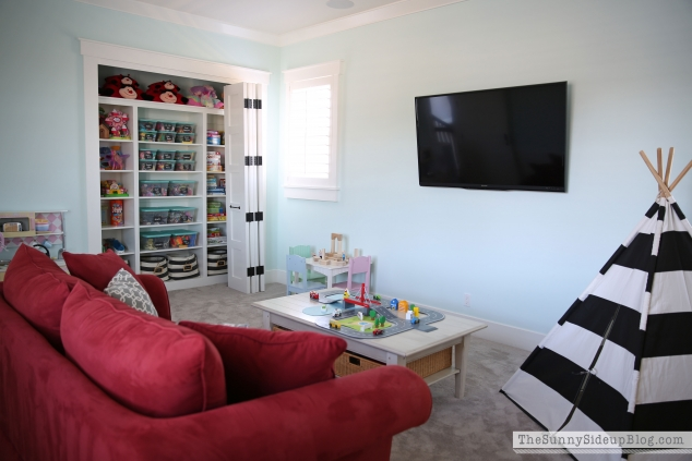 organized-playroom