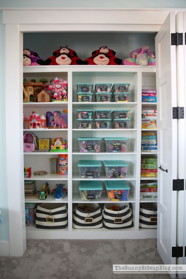 organized-playroom-closet