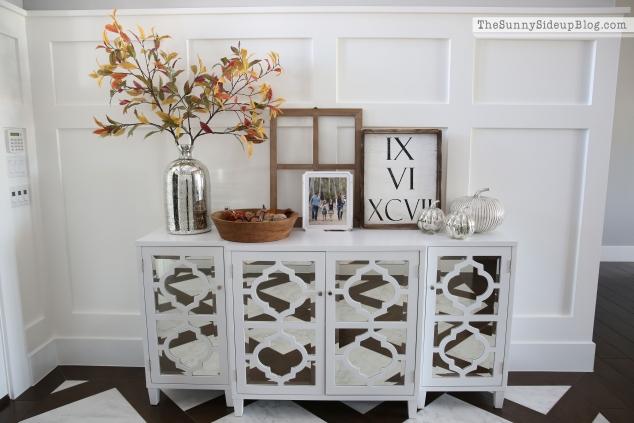 white-wall-molding