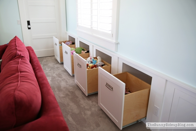 organized-playroom-pullout-drawers