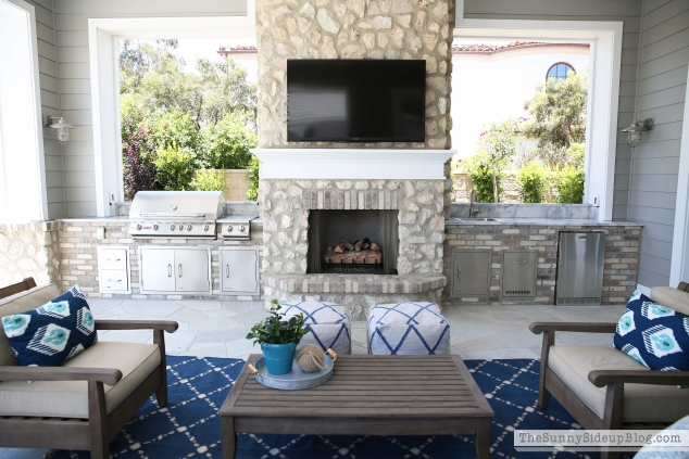 outdoor-tv-and-bbq