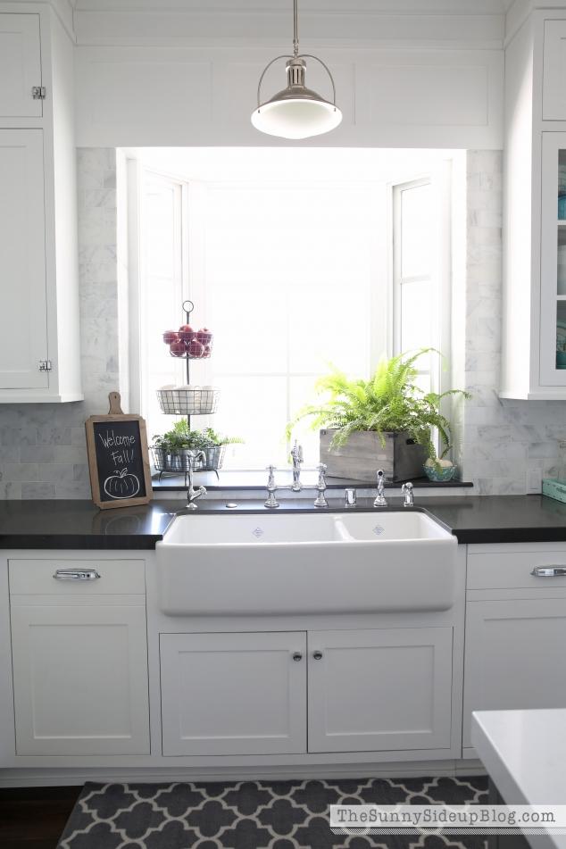 white-shaw-farmhouse-sink