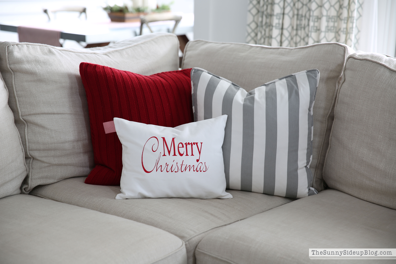 merry-christmas-pillow