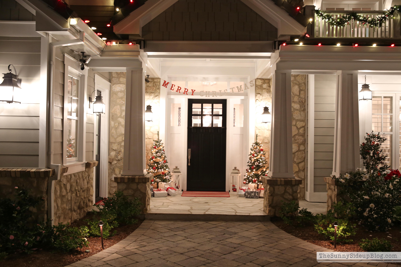 Outside-Christmas-lights