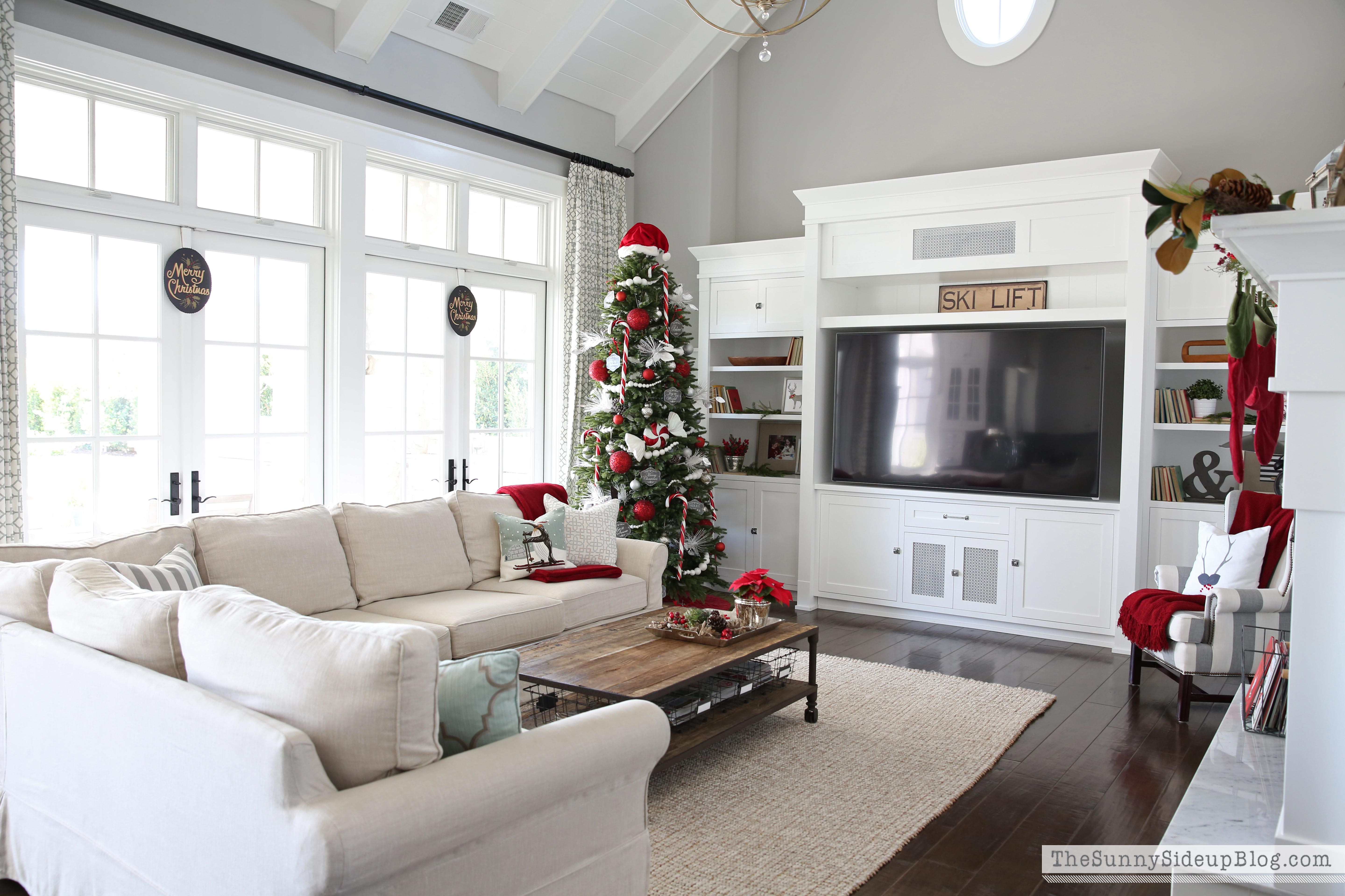 family-room-christmas